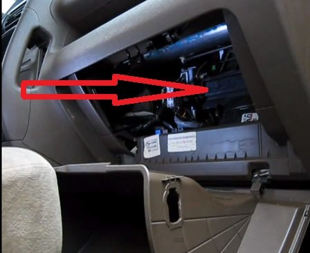 Honda CR-V air conditioning filter location | FilterLocation.com