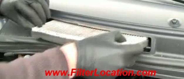 1999-2003 Ford Windstar locate cabin air filter replacement