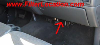 Chevrolet Avalanche 2500 cabin air filter location