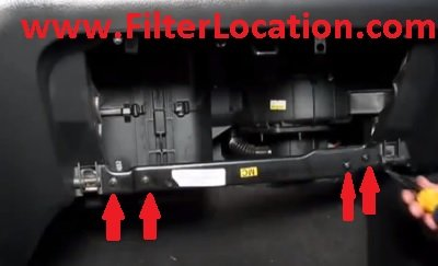 How to replace Suzuki Swift cabin air filter