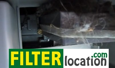 Remove Pontiac Moncata cabin air filters