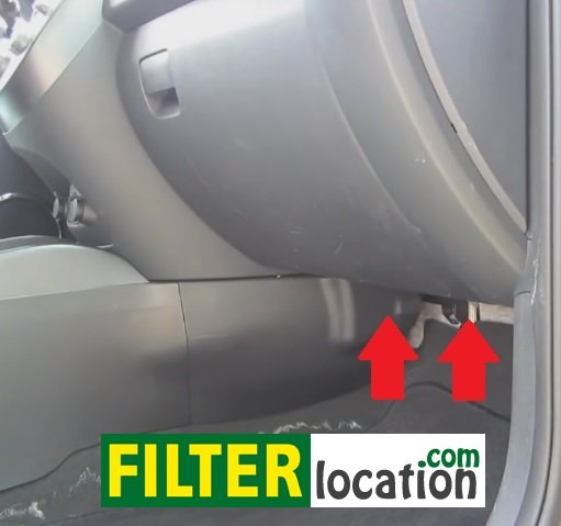 2010-2011 Kia Soul cabin air filter location