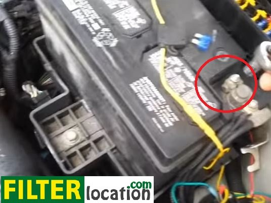 How To Replace The Fuel Filter On Ford Focus 20002008rhfilterlocation: 2007 Ford Focus Fuel Filter Replacement At Gmaili.net